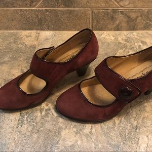 Soft Spot Red Suede Mary Jane Shoes Size 8!!